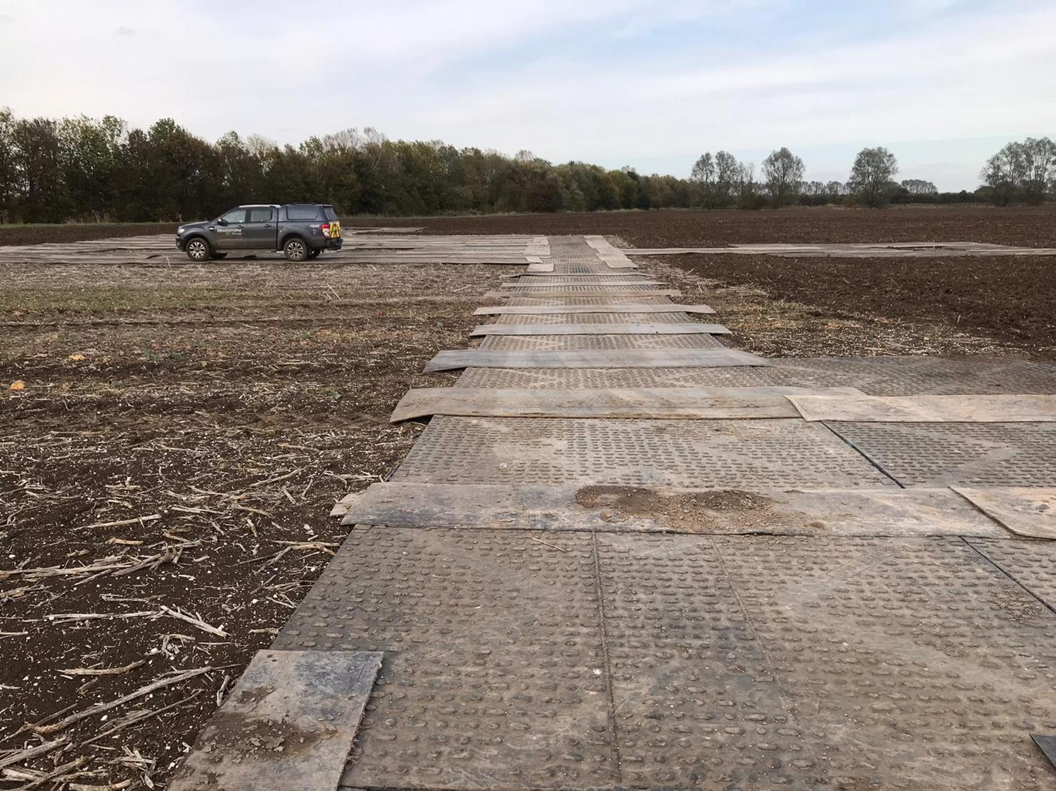 Temporary trackway access